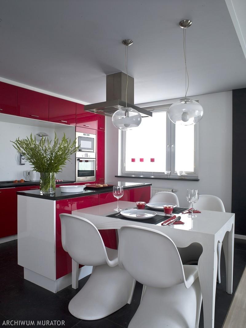 Кухня с большим столом дизайн