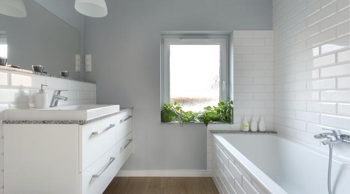 Jak odnowić łazienkę – 7 metamorfoz + praktyczne rady dla remontujących