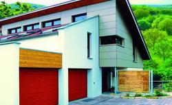 Brama garażowa i drzwi wejściowe - zgrany duet