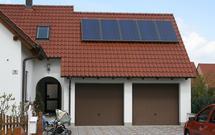 Ile zaoszczędzisz na rachunkach, montując na dachu kolektory słoneczne?