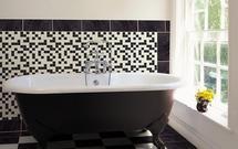 Wanna wolno stojąca - luksus w łazience. Zdjęcia 11 łazienek z wolno stojącą wanną
