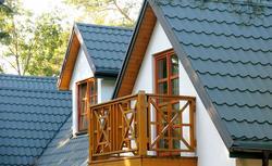 Balustrada z duszą: drewniana, metalowa, a może betonowa? Która balustrada będzie pasować do Twojego domu?