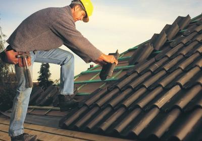 Najważniejsze miejsca w dachu krytym dachówkami i najczęstsze problemy z ich wykonaniem