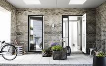 Eleganckie i jasne wnętrza pod płaskim dachem. Dobór okna do płaskiego dachu