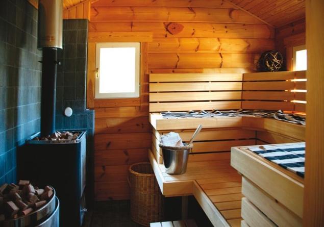 Kąpiel w saunie. Samodzielny montaż sauny