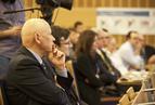 <p>Dyskusji z uwagą przysłuchiwał się Piotr Styczeń, podsekretarz stanu w Ministerstwie Transportu, Budownictwa i Gospodarki Morskiej.</p>