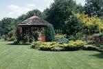 Aranżacja ogrodu - samodzielne projektowanie ogrodu. Poradnik ogrodnika